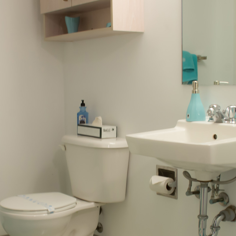 Suite-Style - Central-Hall - Bathroom